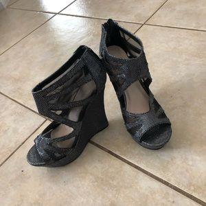 NEVER WORN-Bamboo brand Silver metallic wedge heel